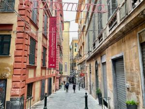 Gasse in der Altstadt Genuas